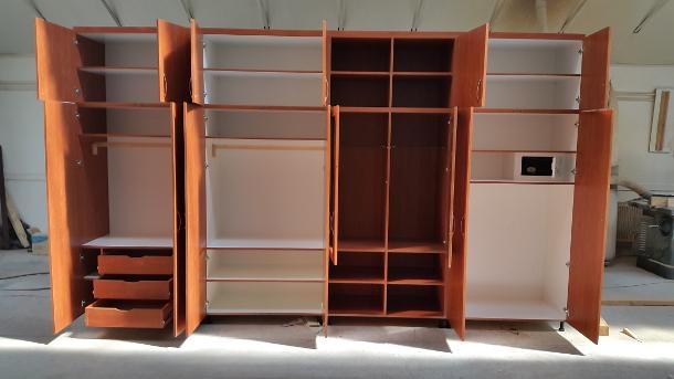 Bútorasztalos - Beépített szekrény - Belülről