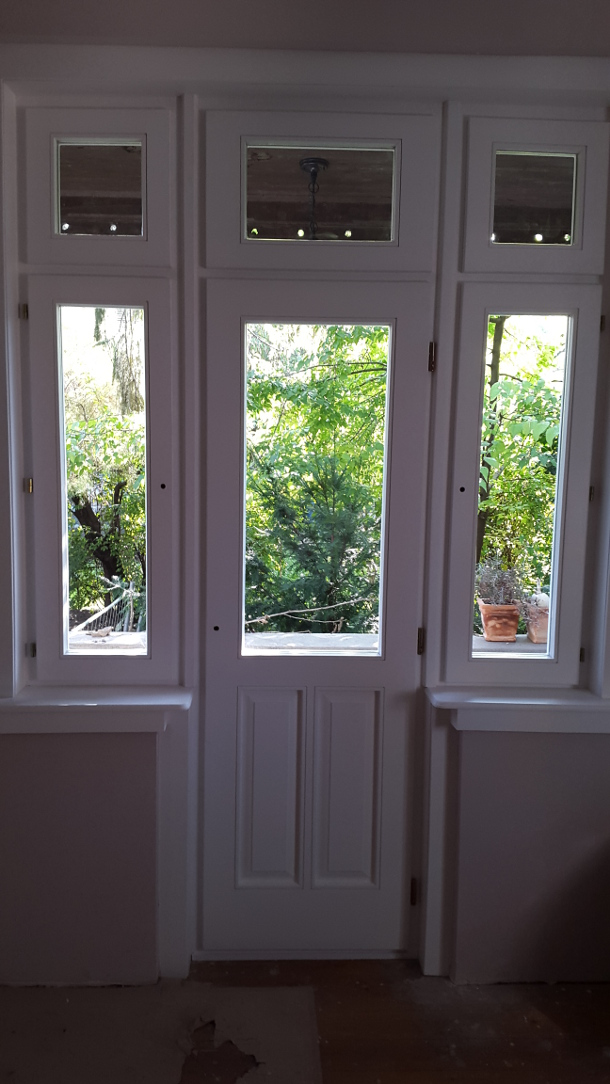 Épületasztalos - Teraszajtó ablakokkal