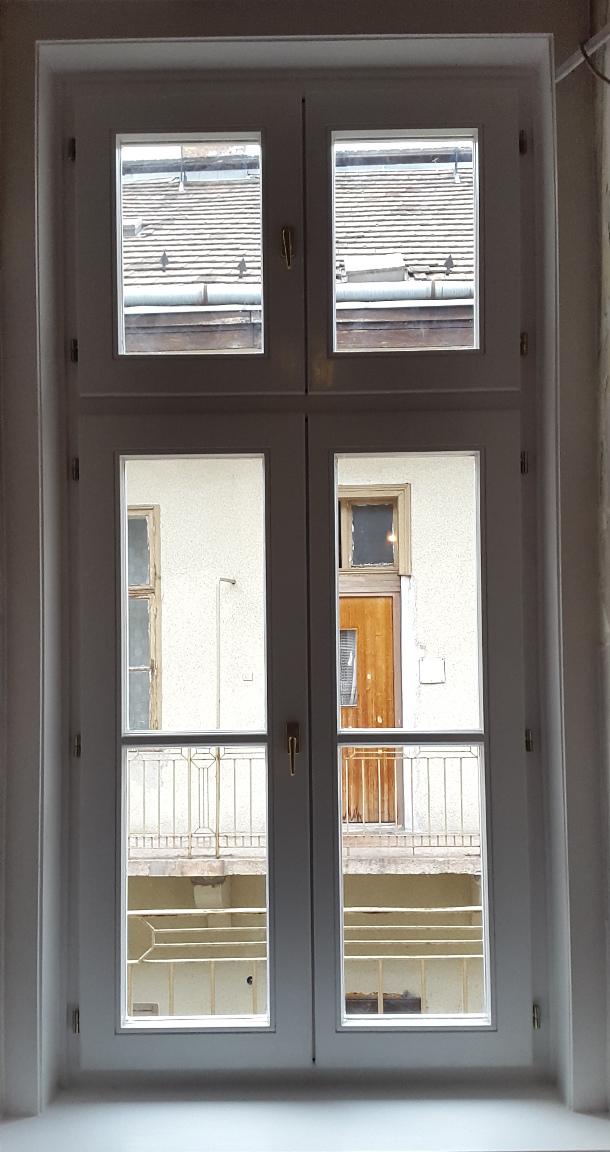 Fa ajtó, ablak gyártás, csere - Új fa ablak beépítve
