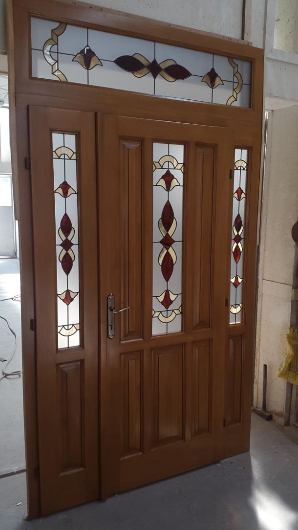 Épületasztalos - Tiffany üveges beltéri ajtó