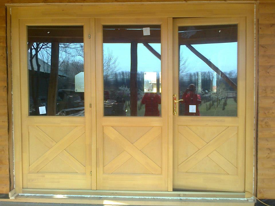 Épületasztalos - Fa kültéri ajtó
